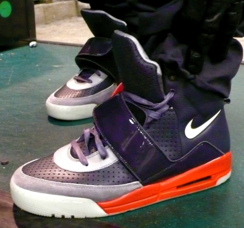 The Kanye And New Nike Sneaker Aka West Yeezy Lol Shoes Sneakers Air 7ZIYq