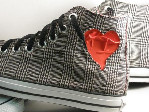 808heartbreak sneaker by emmanuelaboR