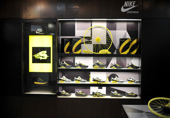 Nike Air Max LIVESTRONG Release
