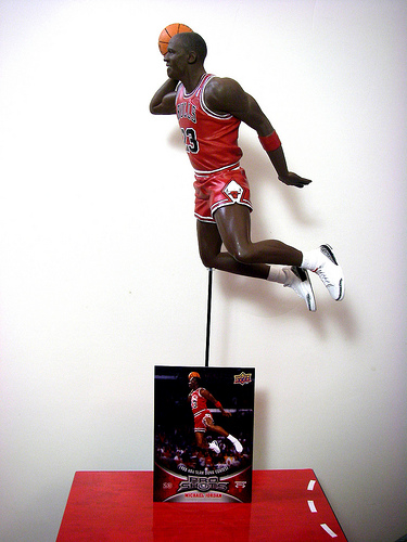 ATHLETE Director Dave - Micheal Jordan Statue Collectible